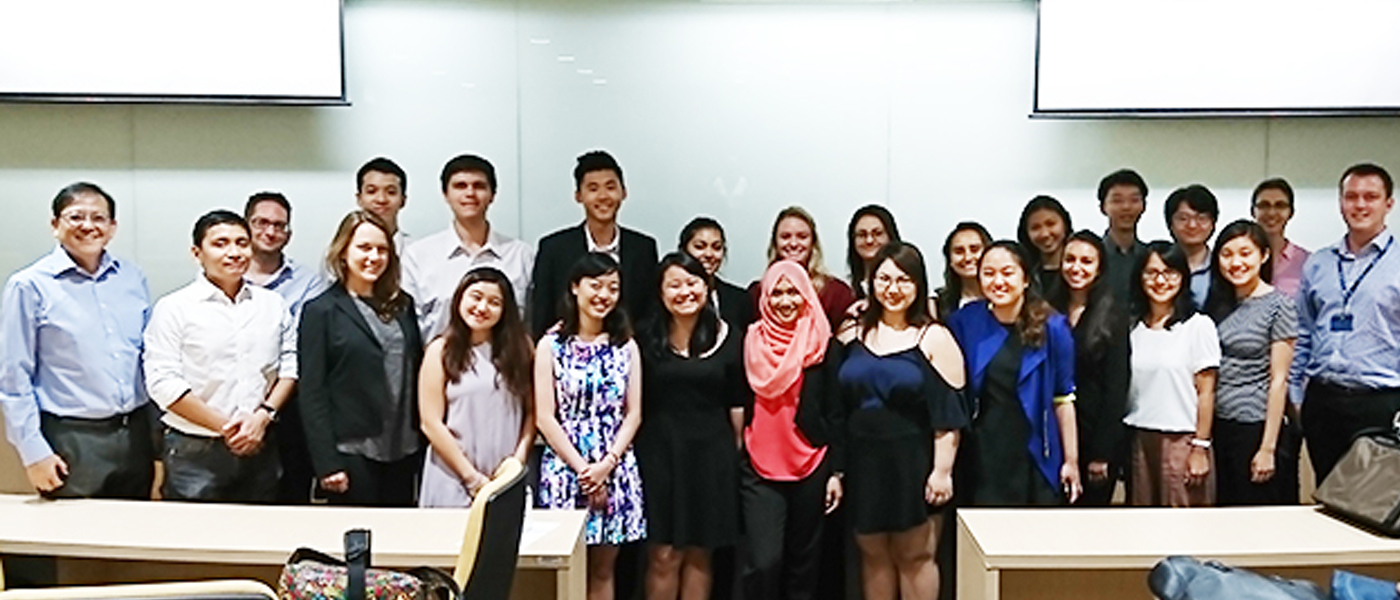 "JUN 1, 2017: The S. Rajaratnam School of International Studies (RSIS) hosted the University of Southern California – Singapore Management University undergraduate summer programme titled ""America's Pacific Century: Dialogue between the United States and Asia' to interview experts and policy professionals (May 15 – 19 in Washington, D.C.; and May 22 – 26 on USC campus in Los Angeles; and May 29 to June 8 in Singapore)."