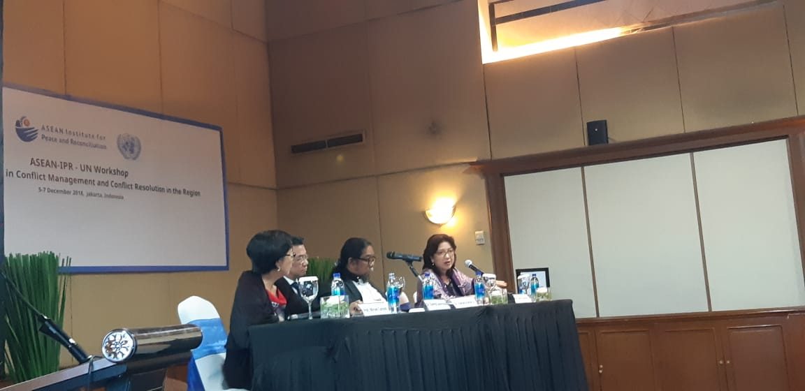 "Head of NTS Centre, Prof Mely Caballero-Anthony, speaking on ""Asean Experiences in Conflict Management"", at the ASEAN-IPR-UN Workshop on Asean Perspectives in Conflict Management and Conflict Resolution in the Region, held on 5-7 December, Jakarta, Indonesia."